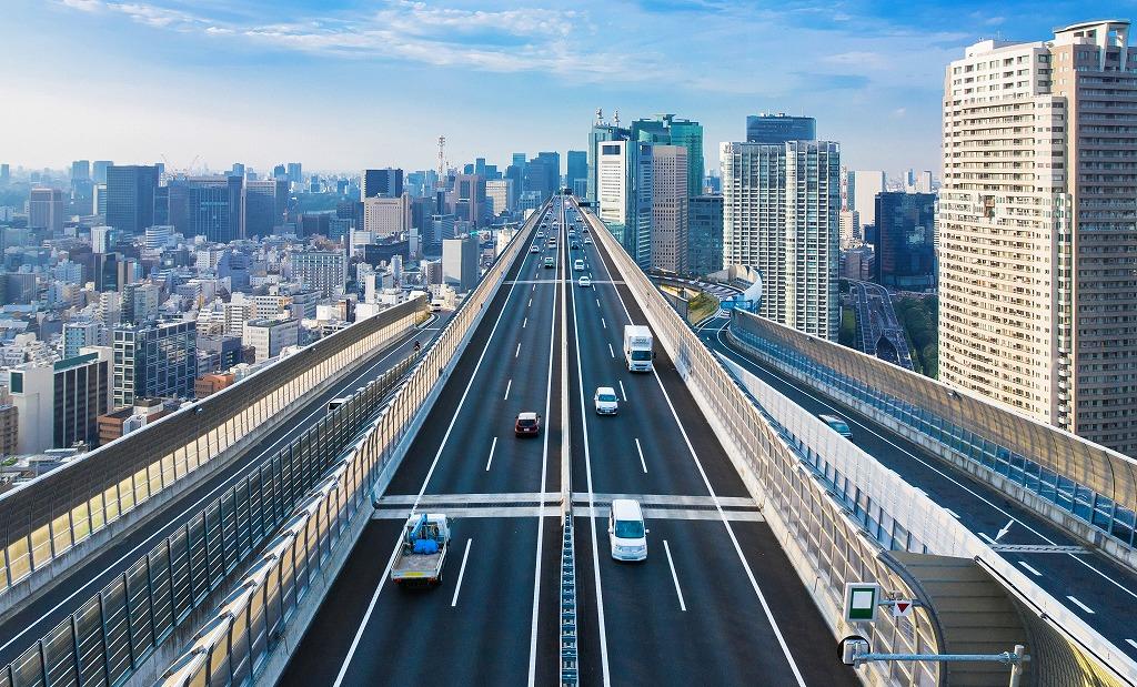精密機械や建築鋼材などの各種運送は、有限会社山田土木におまかせ!